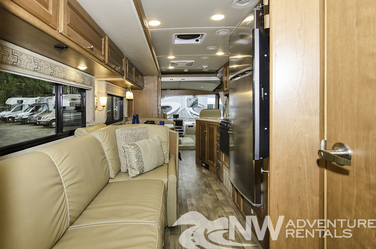 NW Adventure Rentals - 2018 Sunstar Interior