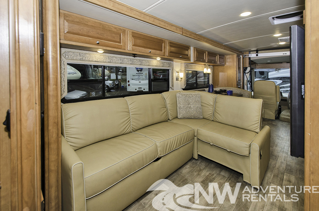 NW Adventure Rentals - 2018 Sunstar Sofa