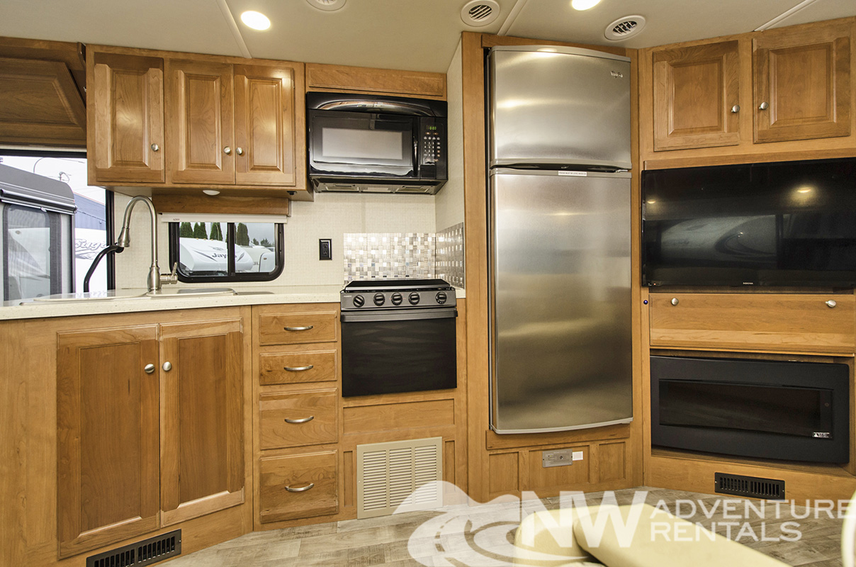 NW Adventure Rentals - 2018 Sunstar Kitchen