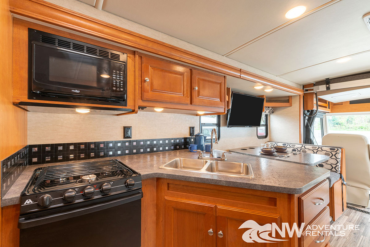 NW Adventure Rentals - 2018 Vista Kitchen