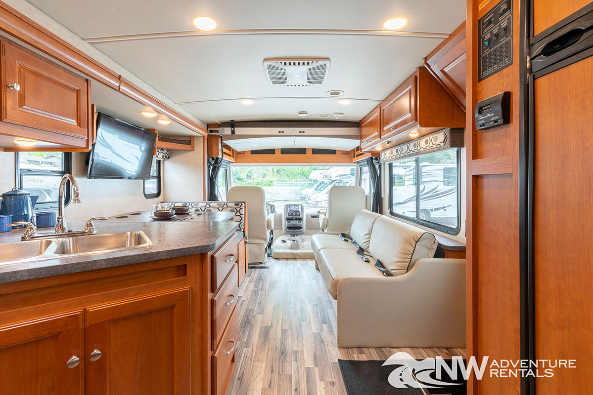 NW Adventure Rentals - 2018 Vista Forward Interior