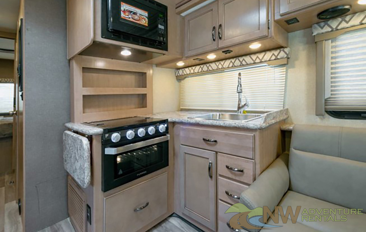 NW Adventure Rentals - 2019 FOUR WINDS 32