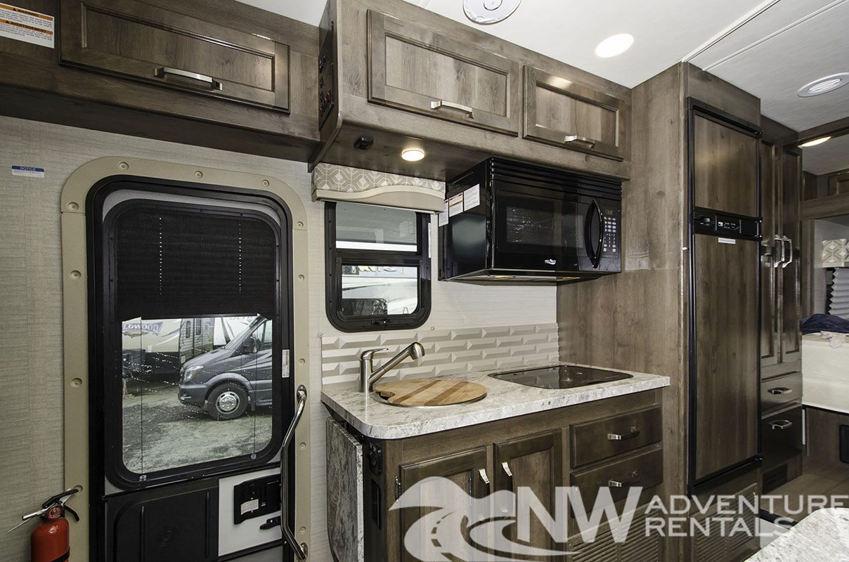 NW Adventure Rentals - 2019 Melbourne 1 Kitchen