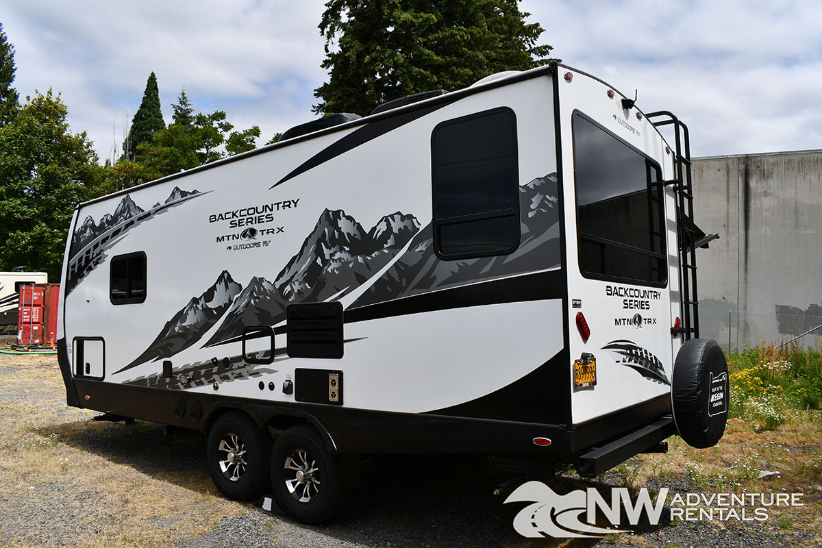 NW Adventure Rentals - 2020 MOUNTAIN TRAX EXTERIOR LEFT REAR